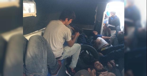 Antalya'da 26 düzensiz göçmen yakalandı