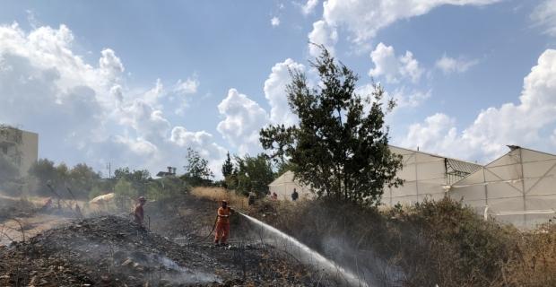Antalya'da otluk alan yangını