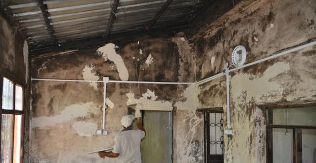 Görevlendirme yapılan belediyeden evi yanan aileye yardım