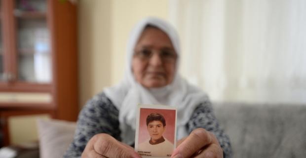 Kaybolan oğlunu 23 yıldır arıyor
