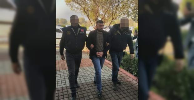 Adana'da terör örgütü propagandasına tutuklama