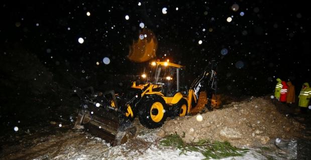 Antalya'da kuvvetli yağış sel ve su baskınlarına neden oldu
