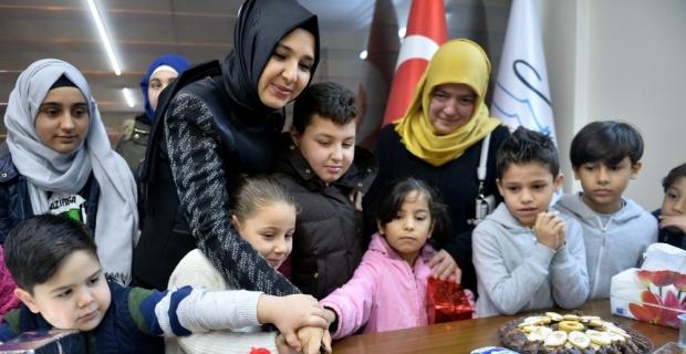 Suriyeli yetim çocuklara