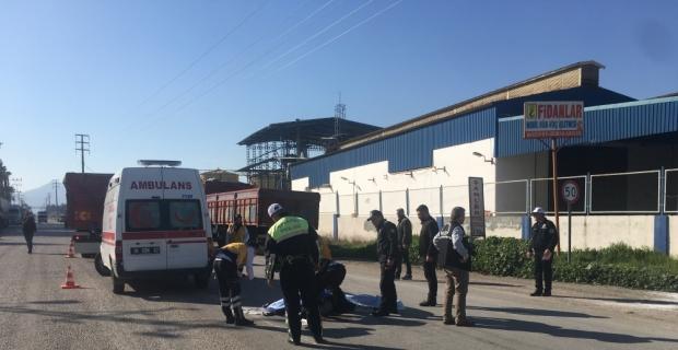 Adana'da kamyonun çarptığı yaya öldü