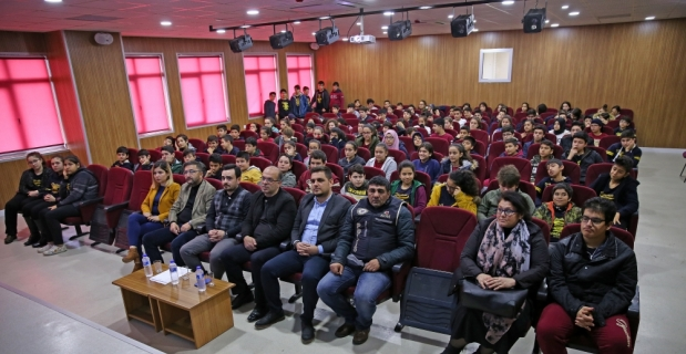 Adana'da polislerden öğrencilere seminer