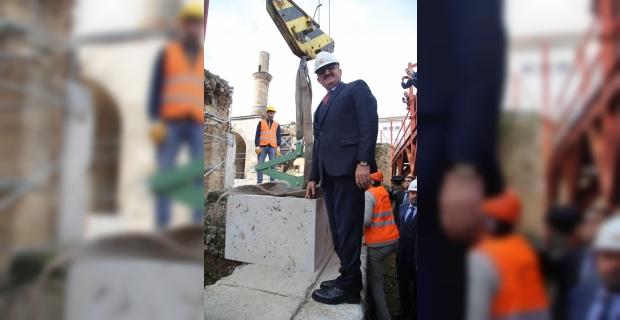 Asırlık caminin restorasyonuna ilk taş