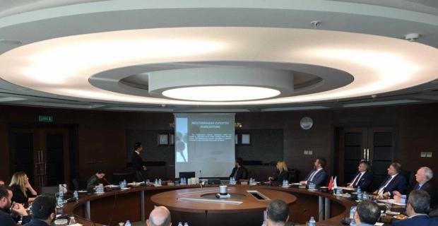 Kanada heyeti Akdenizli ihracatçılarla görüştü