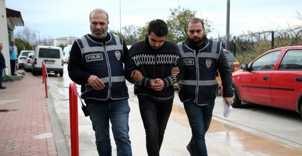 Adana'da 2 kişinin öldüğü kazada sürücü teslim oldu