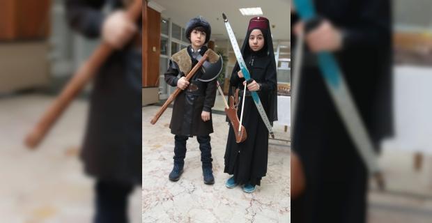 Kahramanmaraş'ta Osmanlı Savaş Kıyafetleri ve Silahları Sergisi açıldı