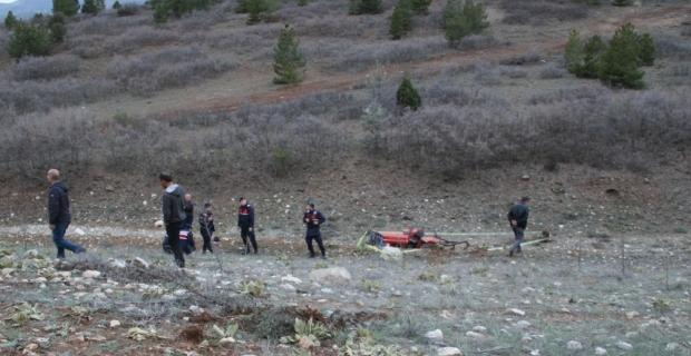 Burdur'da devrilen traktörün sürücüsü öldü