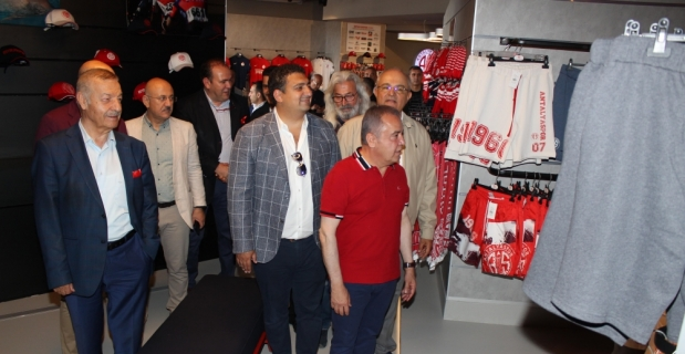 Antalyaspor Store hizmete girdi
