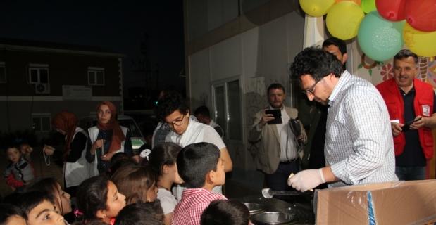 Hatay'da Suriyeli yetim çocuklara iftar