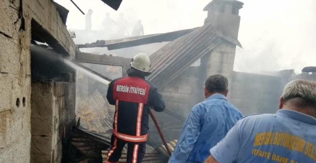 Mersin'de çiftlik evinde yangın