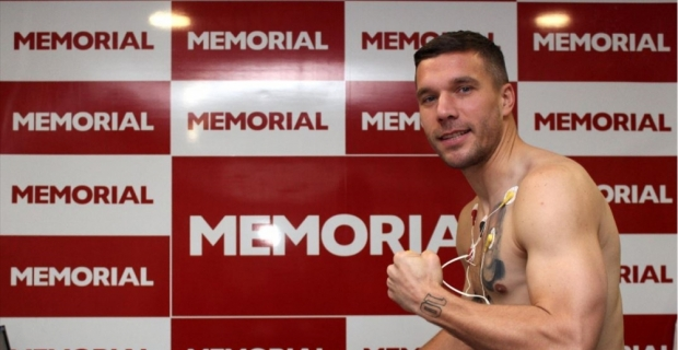 Antalyaspor'da Podolski sağlık kontrolünden geçirildi