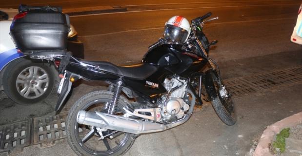 Adana'da motosiklet kazası: 3 yaralı