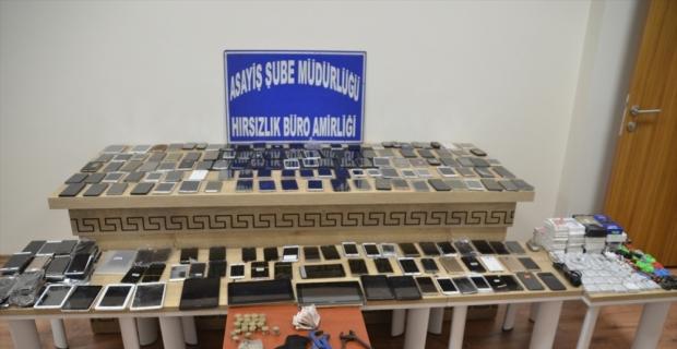 Kahramanmaraş'ta çaldığı elektronik eşyaları depoda saklayan şüpheli yakalandı