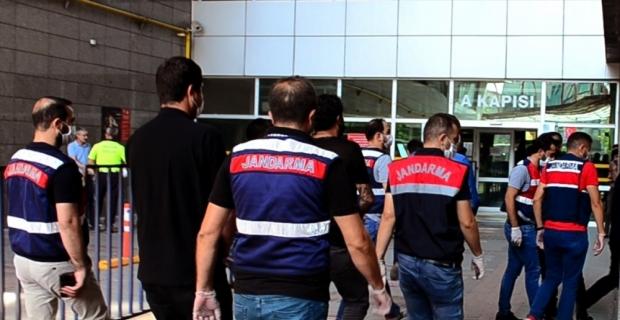 Mersin'deki rüşvet operasyonunda 3 kişi tutuklandı