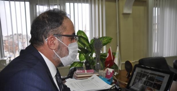 """Afşin Kaymakamı Pınar ve Belediye Başkanı Güven AA'nın """"Yılın Fotoğrafları"""" oylamasına katıldı"""