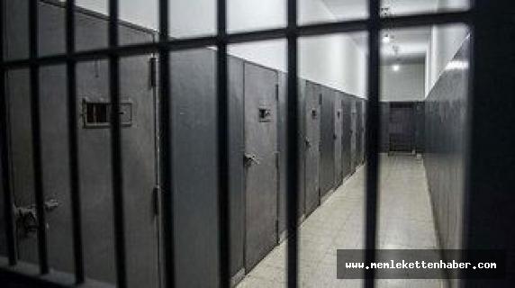 Adana'da tehditle babasının parasını gasbeden sanığa 5 yıl 3 ay hapis cezası