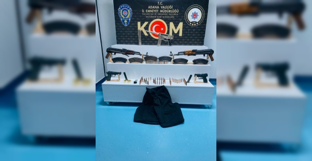 Adana'da ikametgahında çok miktarda silah ve mühimmat ele geçirilen zanlı tutuklandı