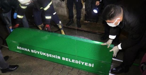 Adana'da metruk evde yangın: 1 ölü