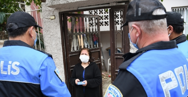 Adana'da polis, aşı bahanesiyle dolandırıcılığa karşı vatandaşı uyardı