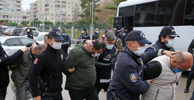 Adana'daki suç örgütü operasyonunda yakalanan 9'u polis 41 zanlı tutuklandı