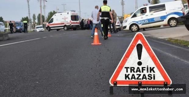 Antalya'da otobüs ile kamyonet çarpıştı: 1 ölü, 2 yaralı