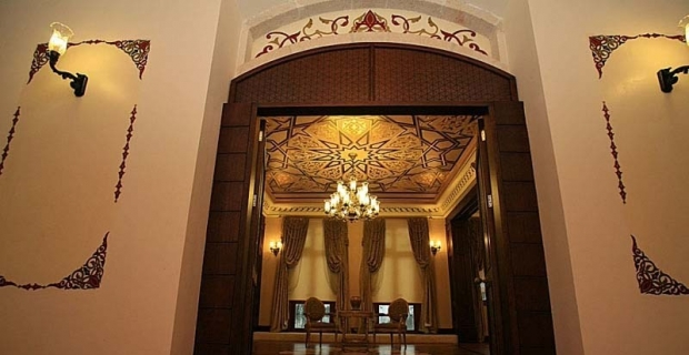 Asırlık Antalya Hükümet Konağı geçmişe ışık tutuyor