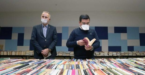 Cemil Meriç Kütüphanesine 50 bin kitap bağışlandı