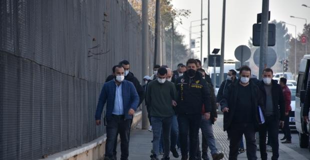 Diyarbakır merkezli 3 ilde iş vaadiyle dolandırıcılık iddiasıyla 6 zanlı tutuklandı