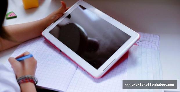 Erdemli'de öğrencilere tablet desteği