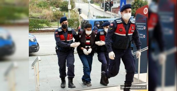 GÜNCELLEME - Antalya'da silahla ağabeyini öldürüp yeğenini yaraladığı iddia edilen şüpheli tutuklandı