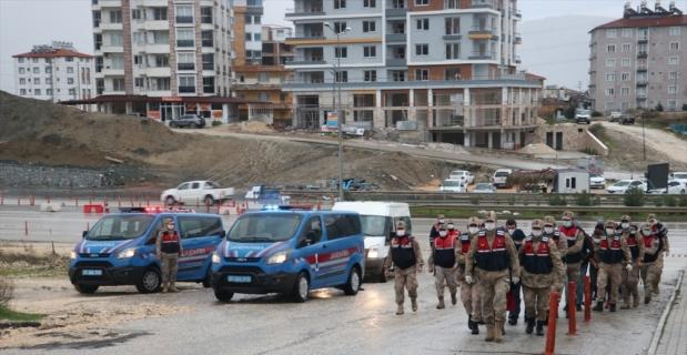 Hatay ve Antalya'da uyuşturucu operasyonunda 13 şüpheli yakalandı