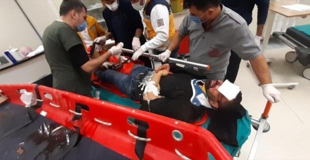 Kahramanmaraş'ta fotoğraf çektirirken mağaraya düşerek yaralanan kişiyi itfaiye kurtardı