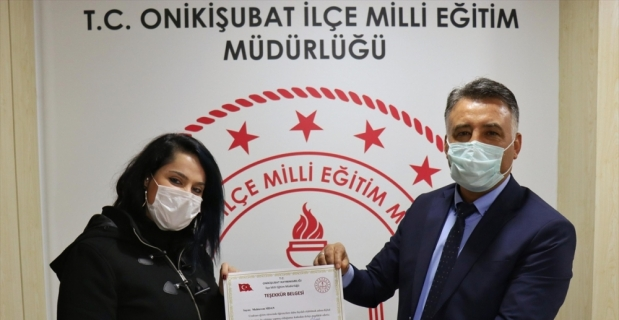 Kahramanmaraş'ta öğrencileri için evini sınıfa çeviren öğretmen ödüllendirildi