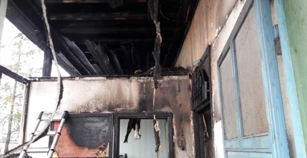 Kahramanmaraş'ta yangın çıkan cami kullanılamaz hale geldi