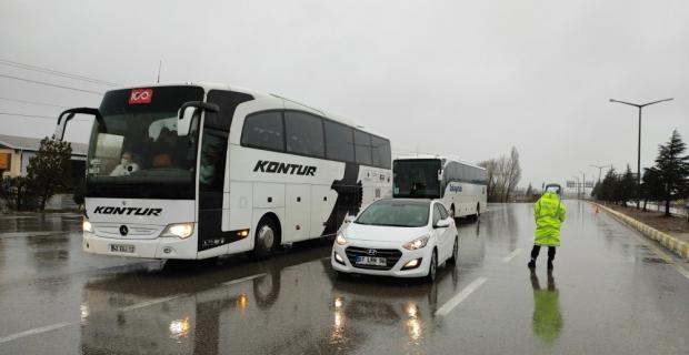 Kar yağışı Seydişehir-Antalya kara yolunda ulaşımı aksatıyor