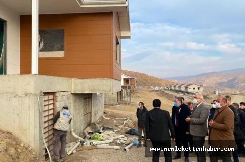 Malatya'da milletvekilleri Çakır ve Kahtalı deprem konutlarını inceledi