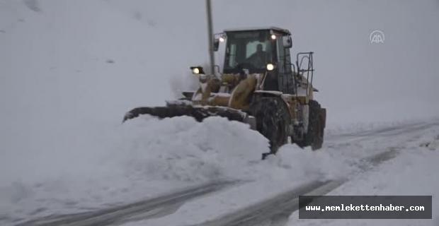Malatya ve Kahramanmaraş'ta karla mücadele çalışmaları başlatıldı