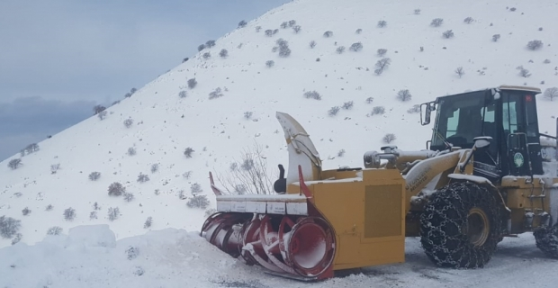Malatya'da kar nedeniyle ulaşıma kapanan 601 yerleşim yerinin yolu açıldı