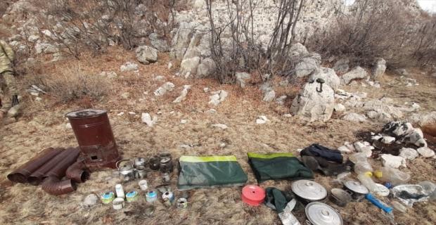Malatya'da kırsal alanda teröristlere ait yaşam malzemeleri bulundu
