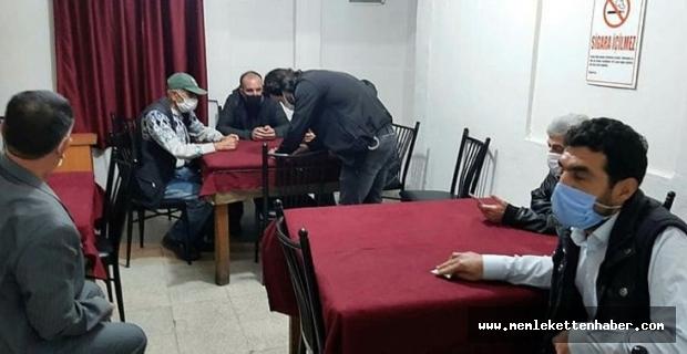 Mersin'de boş dairede kumar oynayan 20 kişiye 63 bin lira ceza uygulandı