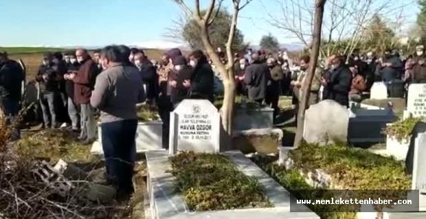 Mersin'de otoyoldaki trafik kazasında hayatını kaybeden 5 kişinin cenazesi defnedildi