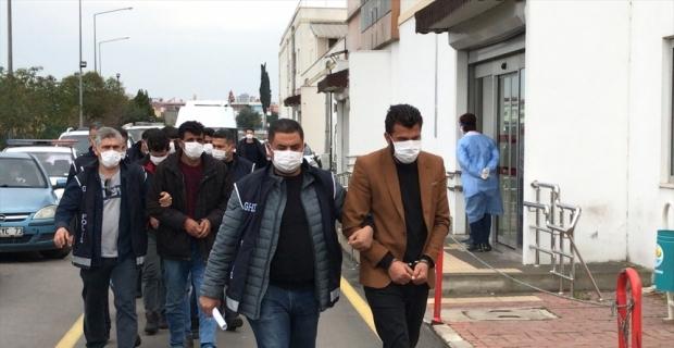 Adana merkezli göçmen kaçakçılığı operasyonu: 7 gözaltı