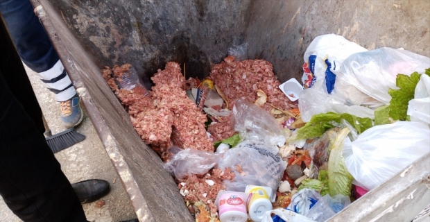Adana'da çöp konteynerinde 30 kilogram et bulundu