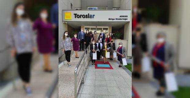 Adana'da Toroslar EDAŞ kadın muhtarları ağırladı