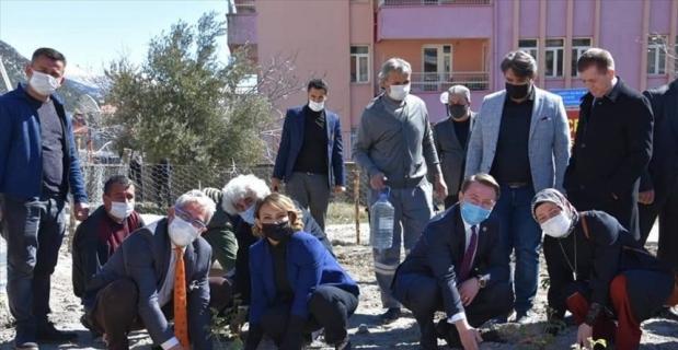 Akseki'de gül ve gül yağı üretimi projesi hayata geçirildi