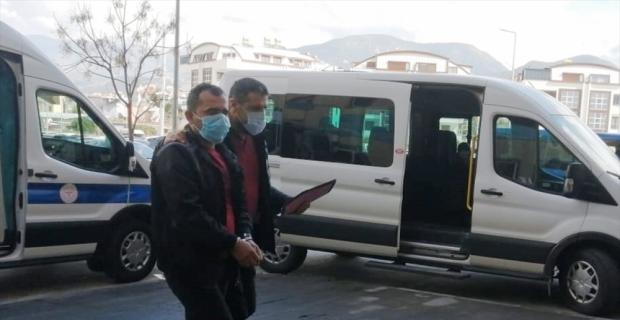Antalya'da kesinleşmiş hapis cezası bulunan 2 hükümlü yakalandı
