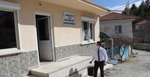 Burdur'da çocuklar için kütüphane kuran Emin Akay için anma etkinliği düzenlendi